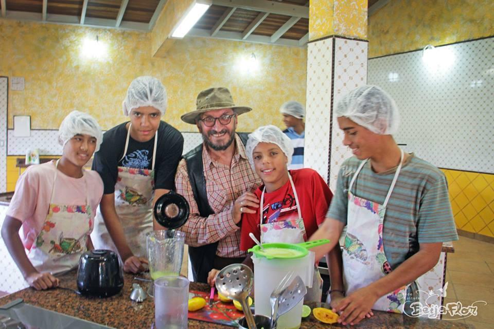 """Fra undervisning på """"skolekjøkkenet"""" - Sitio Joaninha"""