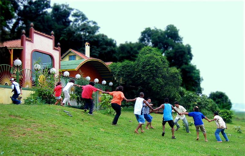Children at the Kolibri project