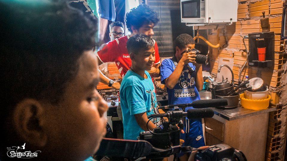 I Nectar opplæringsprogrammet er Monalisa på senteret hver dag etter skolen. Hun lærer om å bidra til fellesskapet, om å stå fram og lære om seg selv, om kommunikasjonsteknologi og mediekunnskap, om kultur for fred og fokus på en sunn verden gjennom kunst, kultur og sportsaktiviteter.