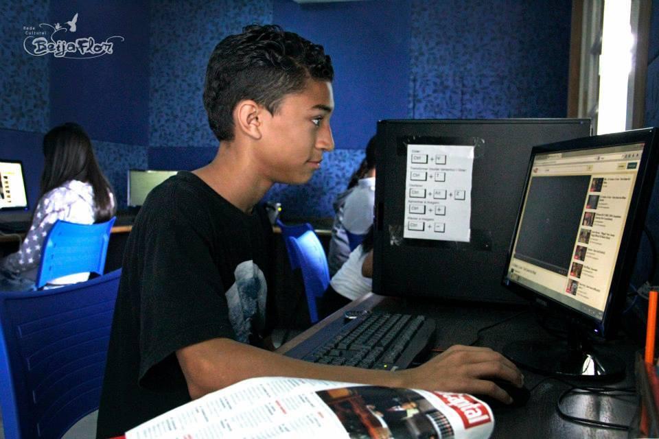 De unge får utvikle seg på nye områder på mediesenteret.