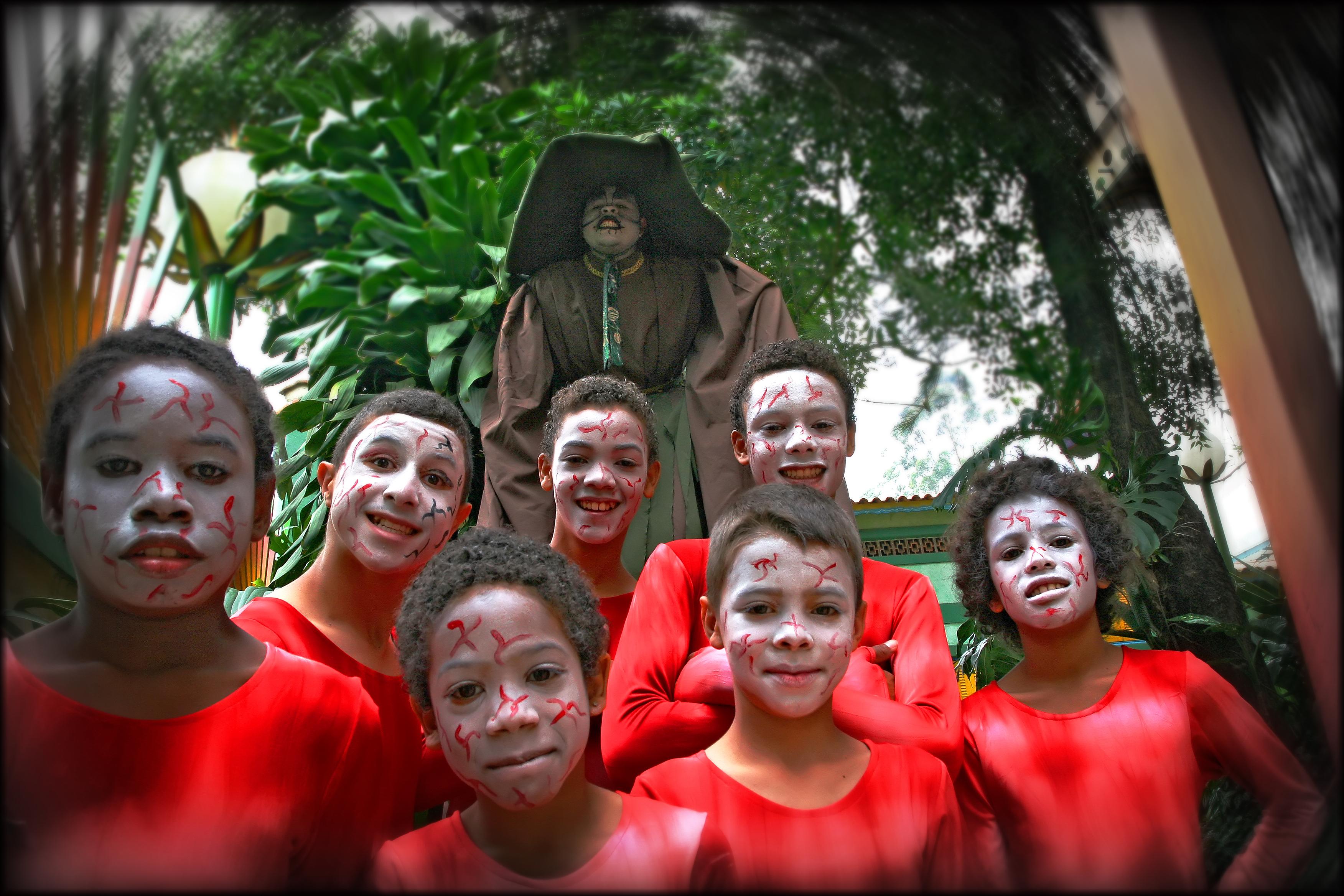 Barna i teatergruppen