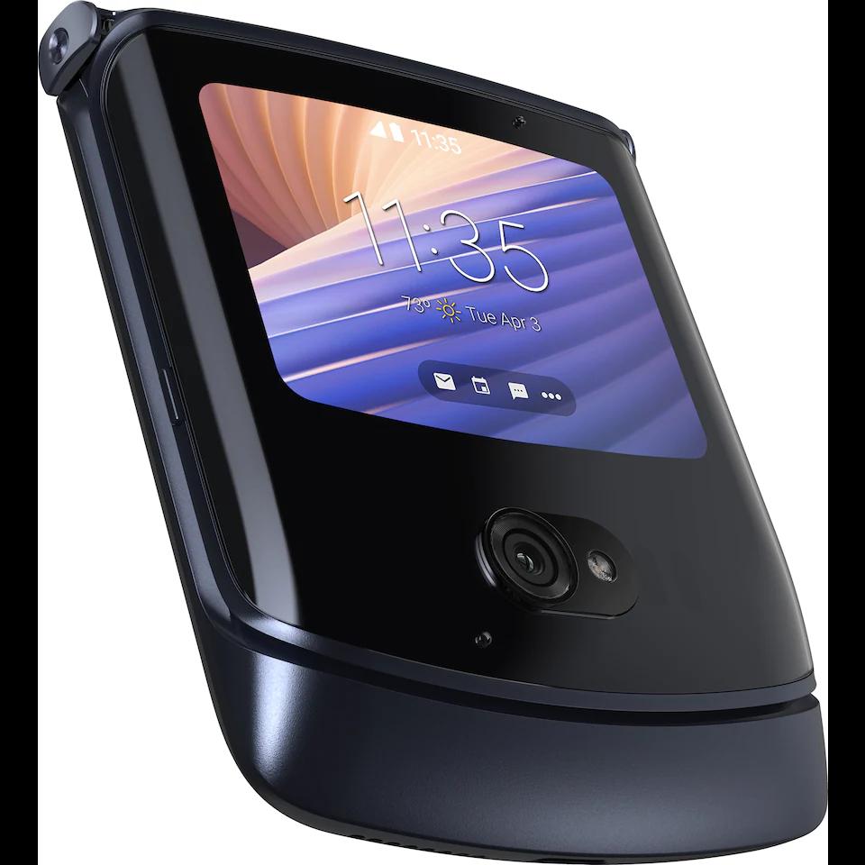 I udklappet tilstand ligner telefonen en hver anden smartphone.