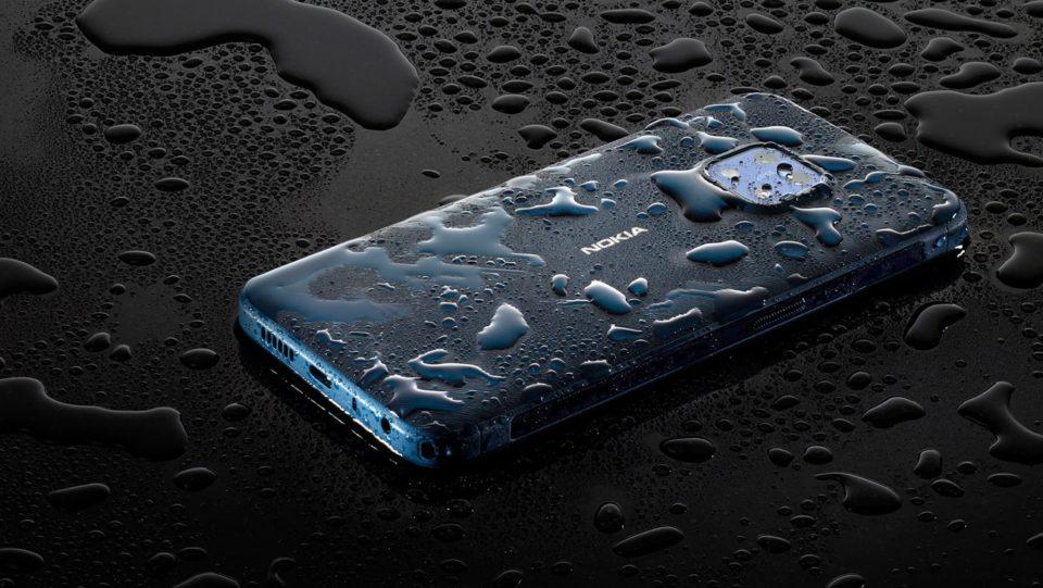 Nokia XR20 kan tåle at lægge en time under 1,5 meter vand.