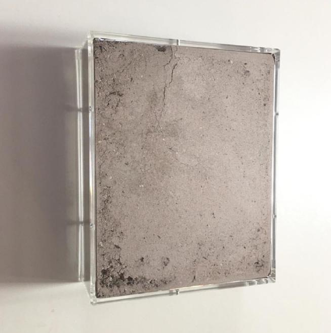 Nicolò Baraggioli, Transmigration, 2018, 25x20x7cm, Plexiglass parallelepiped and ash