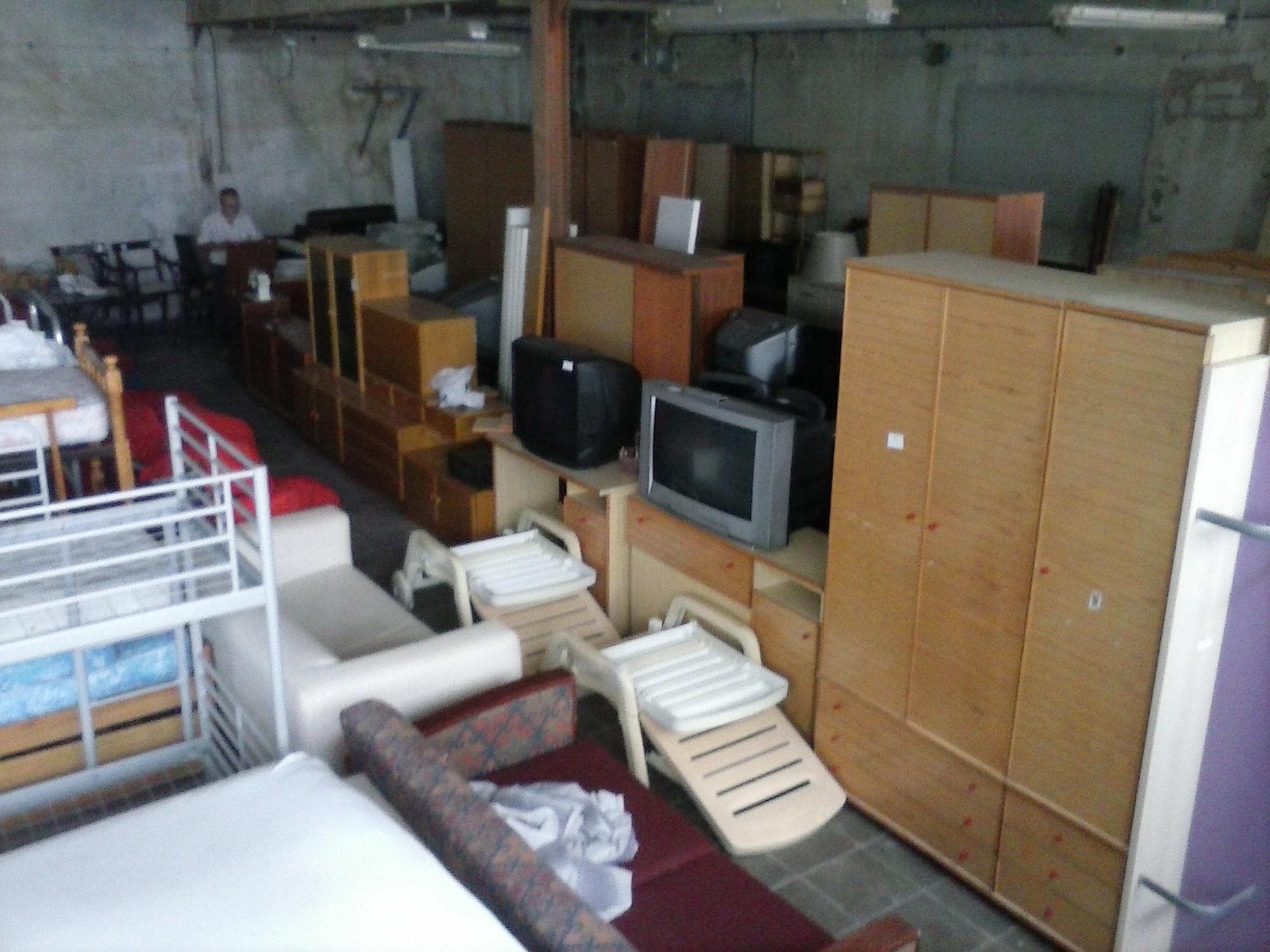 Petits encants mobles i objectes de segona m la garriga kupua - La garriga mobles ...