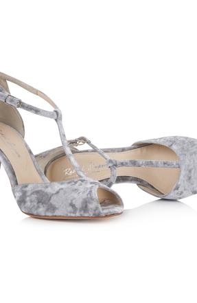 Rss   olivia soft grey pair lying down
