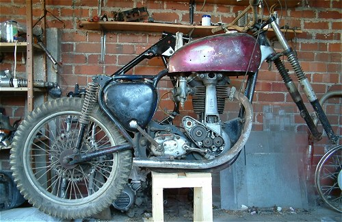 That'll be a Kawasaki Z750L engine on the floor, then...