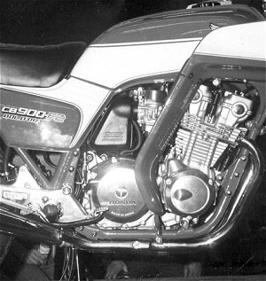 Bol d'Or, it says on the side-panel. Watch out for those con-rods...