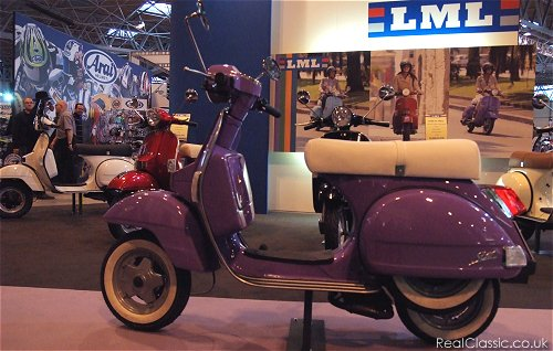Retro Mods gear up to take on the Retro Rockers...