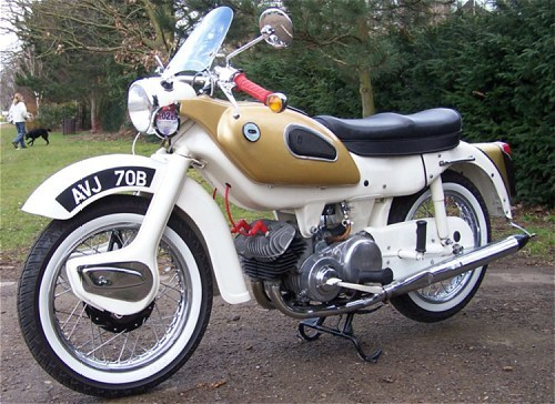 1962 Ariel Arrow; normal size front wheel, but with a mudguard to suit the Panther...