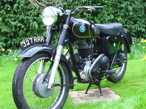'A pic of an AJS 16MS, rather than of some mostly unclad babe spotted at a race track...'