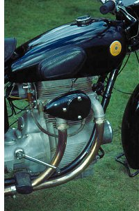 In-line twin; overhead camshaft; dry clutch; final drive shaft. Mr Poppe knew a lot about engineering