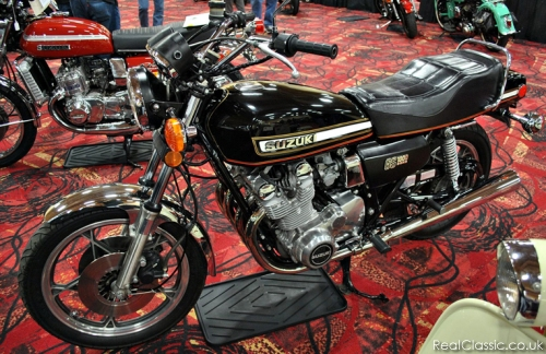 UK models had much flatter bars... and a flatter seat too...