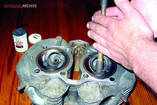 Grinding cylinder ghead valves in on Yamaha XS650 motorcycle engine