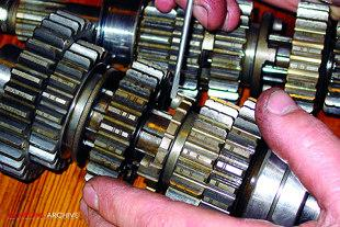 Assembling gearbox on Yamaha XS650 motorcycle engine