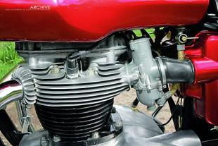 BSA A65L Lightning engine