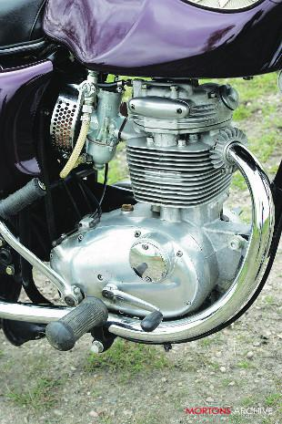 BSA B25S Starfire motorcycle engine