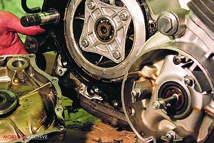 Honda CB750K2 motorcycle overhaul