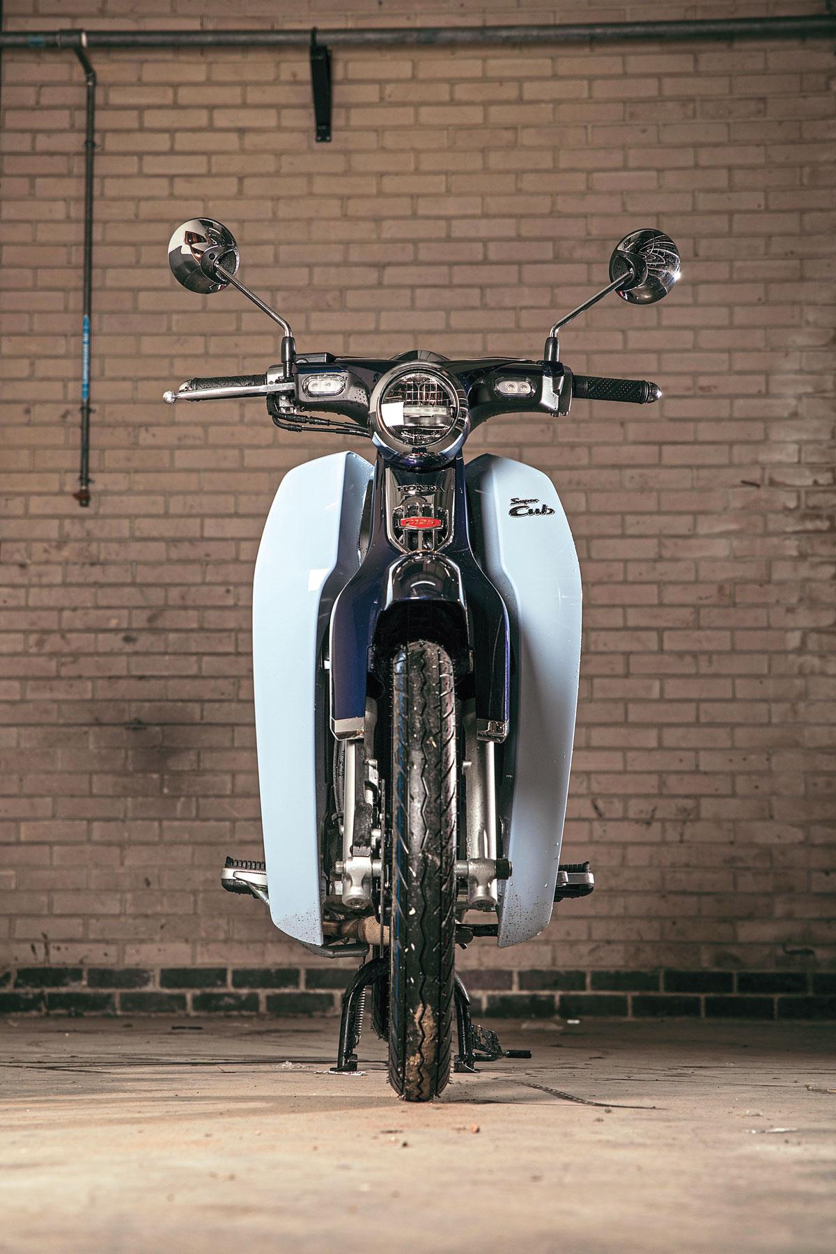 Honda Super Cub C125 front view