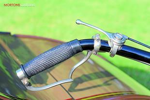 1923 James Model 10 handlebar controls