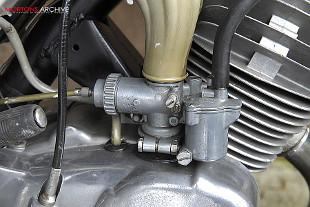 Jawa 90 Roadster engine