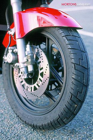 Kawasaki GPZ600R front forks, wheel and tyre