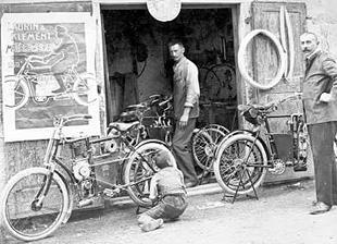 Outside Laurin & Klement motorcycle works in 1906, Czechoslovakia