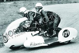 Sidecar racing from Mortons Archive