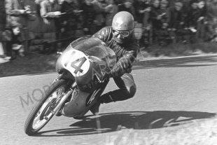 New Zealander Hugh Anderson on Suzuki in 1962 125cc Ulster Grand Prix