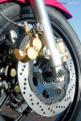 Suzuki GSX-R750 front brake and wheel