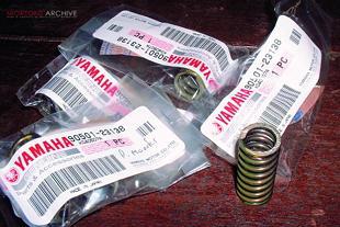 Yamaha RD400 Clutch overhaul