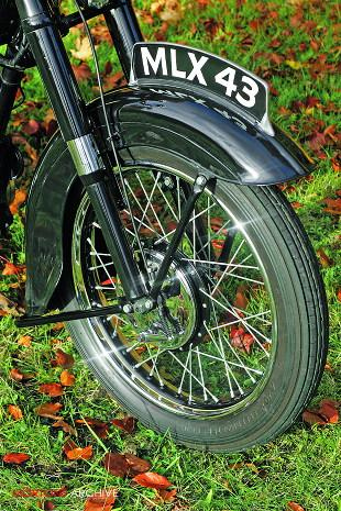 Ariel VB motorcycle front mudguard, wheel and brake image