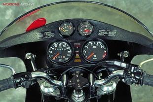 BMW R90S motorcycle cockpit