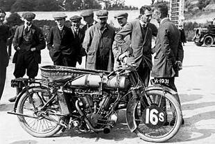 Bat Motor Manufacturing Company (Bat) were powered by ohv JAP engines