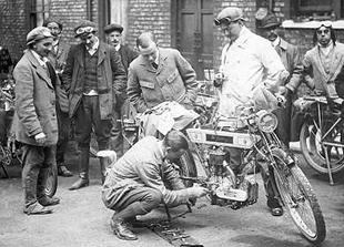 Veteran Bradbury classic motorcycle en route to York on Essex MCC 24-hour run in 1910