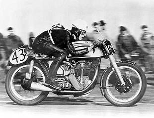 Geoff Duke debuting the 'featherbed' framed Manx Norton at Blandford in 1950