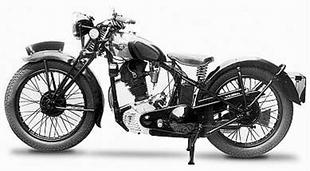 In the Thirties London dealer Pride and Clarke offered the Red Panther in 250cc and 350cc form