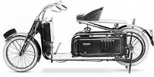 Reynolds Runabout was an attempt to mobilise 'Everyman'. This one uses a Liberty two stroke engine