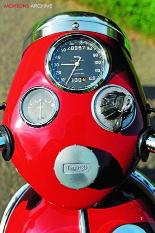 Triumph Speed Twin headlamp assembly