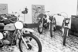 Showroom at Sprite motorcycle factory with the 1970 range on display