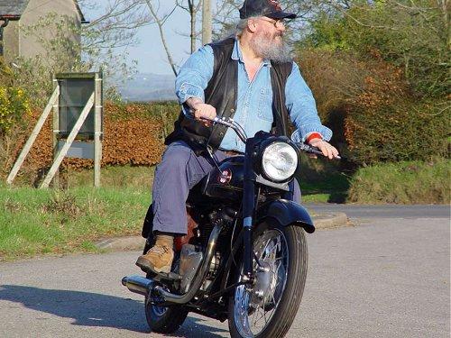 Ariel Huntmaster classic British motorcycle restoration