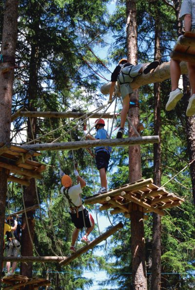 laloupe-in-luftigen-höhen-kletterpark-sport-freizeit-02