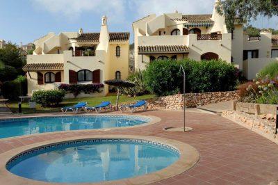 El Rancho 422 Shared pool