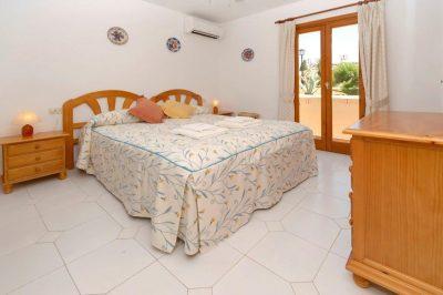 El Rancho 422 Master bedroom
