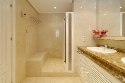 Las Brisas 86 Bathroom