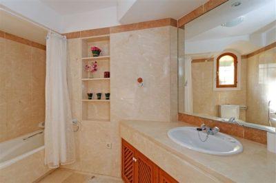 Las Palmeras 483 Bathroom