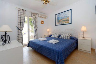 Los Molinos 20 Master bedroom