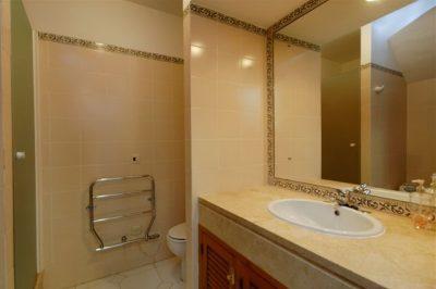Los Molinos 416 Bathroom
