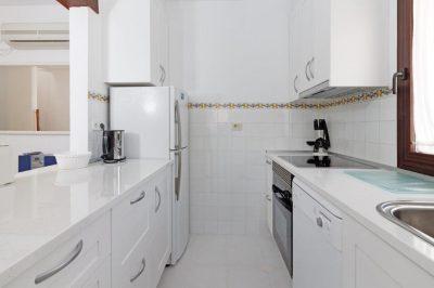 Los Molinos 416 Kitchen
