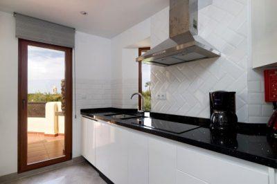 Los Molinos 480 Kitchen